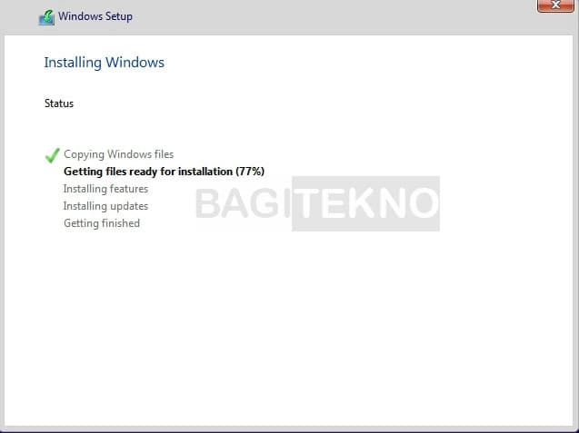 Windows 10 sedang terinstall