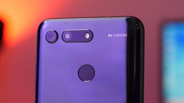 Smartphone Android yang menggunakan kamera 48MP - Honor View 20