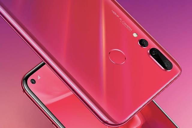 Smartphone Android yang menggunakan kamera 48MP - Huawei Nova 4