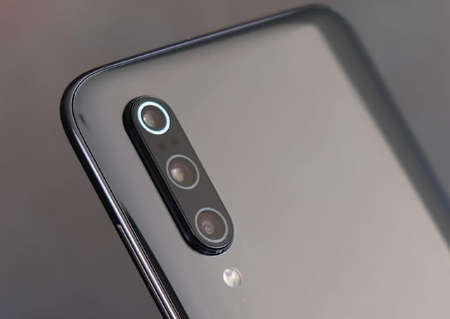 Smartphone Android yang menggunakan kamera 48MP - Xiaomi Mi 9