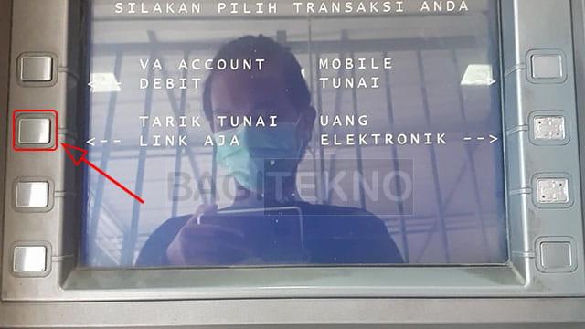 Menarik tunai saldo LinkAja di ATM BNI